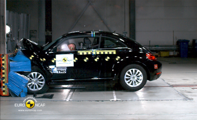 Beetle 2012 se destaca com indíce de 92% de segurança para ocupantes adultos