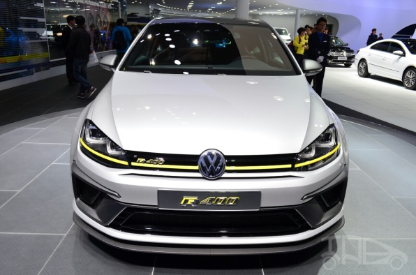 Volkswagen-Golf-R-400-concept-front