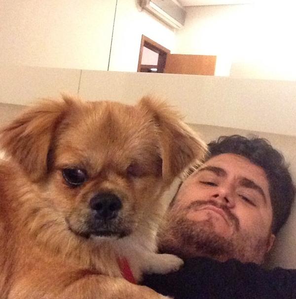 cesar-menotti-com-cachorro-fusca