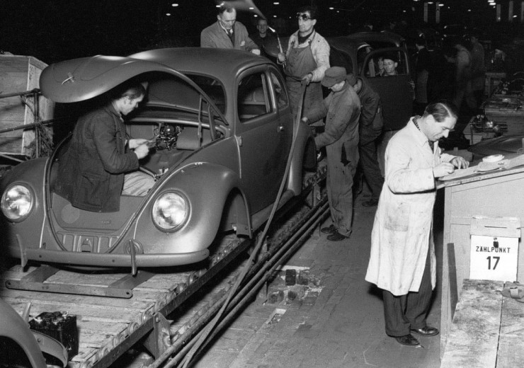Volkswagen_Linha-de-montagem-em-Wolfsburgo-1024x720